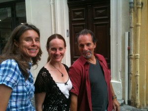 Strolling through Aix with Christiane, Karen (the writer) and Ted (the Italian lover). Sometimes life is good.